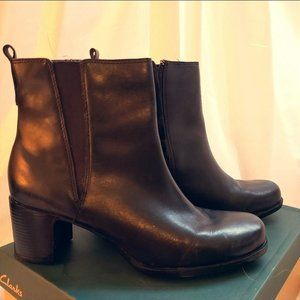 "EUC Clarks Boots ""Betty"" in Black Leather, Size 7M"